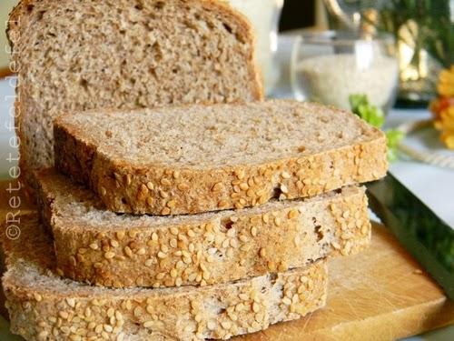 paine integrala cu seminte de susan