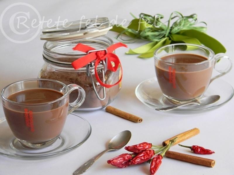 ciocolata calda cu ardei iute si scortisoara