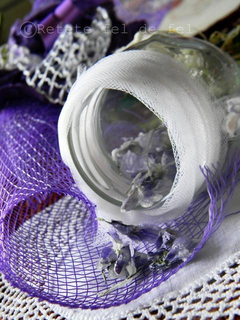 Violete cristalizate