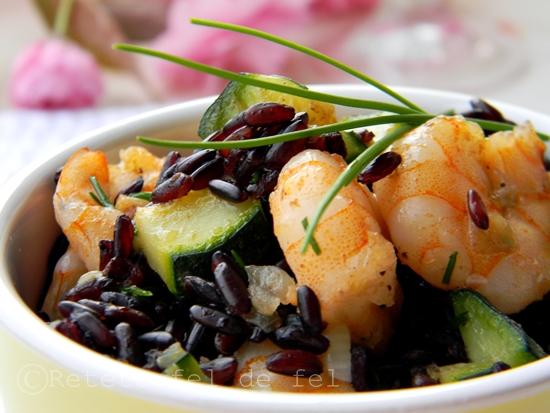 Creveti cu orez negru si zucchine