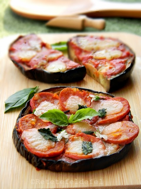 mini pizze cu blat de vinete