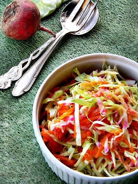 Salata de varza cu morcovi si sfecla rosie
