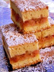 prajitura turnata cu mere si gutui