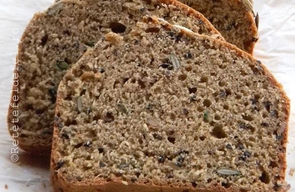 paine integrala cu bicarbonat si seminte 032
