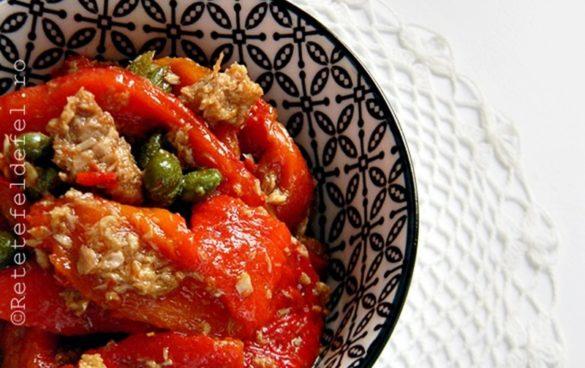 Salata de ardei copti cu ton si capere
