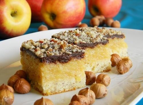 prajitura cu mere si alune