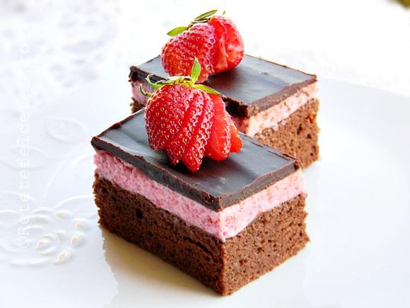 prajitura cu mousse de capsune si ciocolata 037