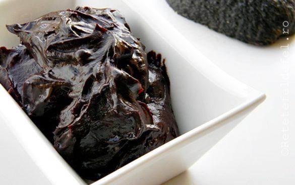 Crema de avocado cu cacao