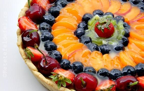 Tarta-cu-crema-de-vanilie-si-fructe-040