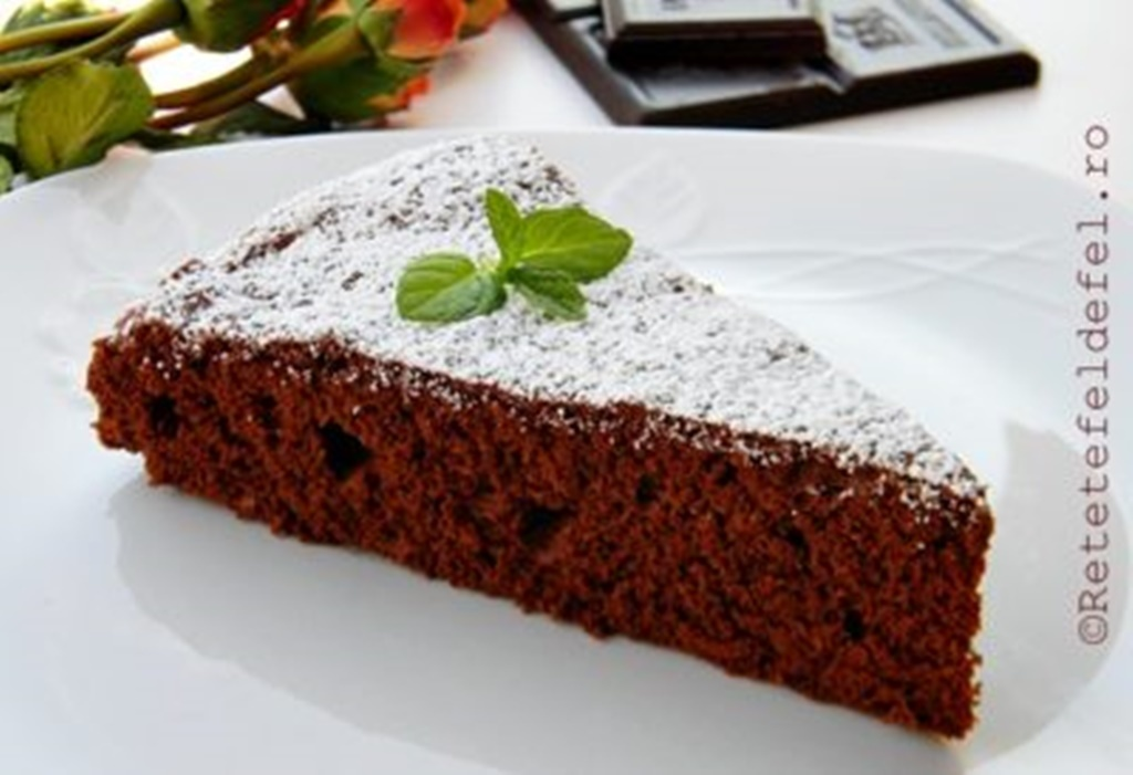 Tort din albușuri cu ciocolată