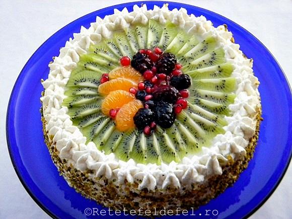 tort cu frisca si fructe