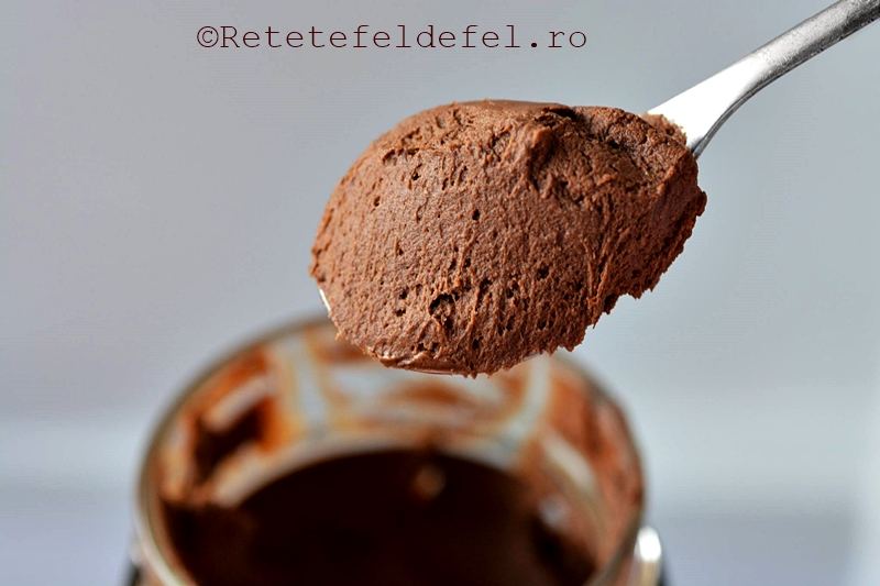 crema de avocado cu ciocolata