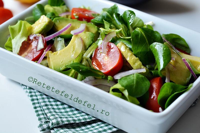 salata verde cu avocado