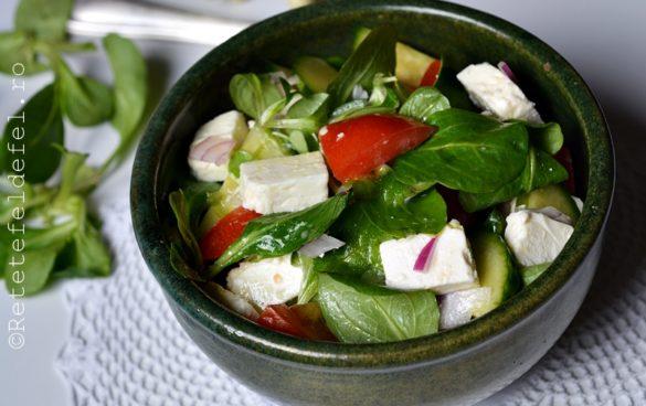 salata cu feta si valeriana