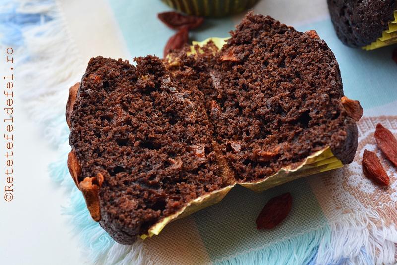 muffins de spelta cu cacao si goji