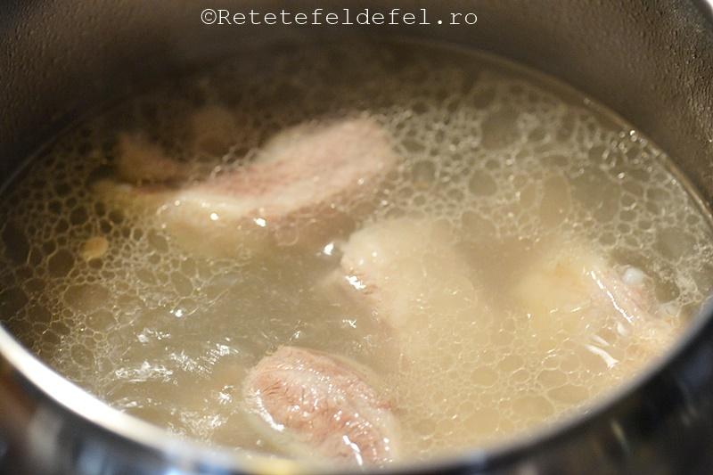 ciorba de coaste de porc