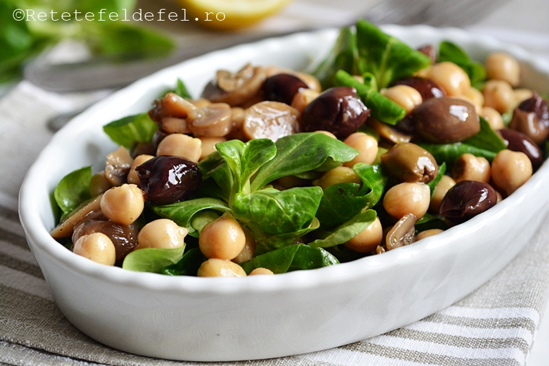 salata de naut cu ciuperci si valeriana