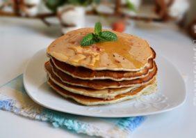 pancakes cu zmeura si vanilie