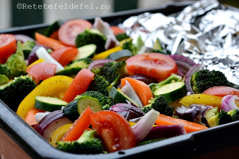 Piept de pui cu legume la cuptor