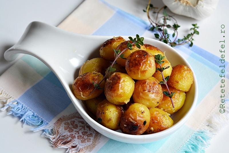 cartofi noi cu usturoi si cimbrisor t