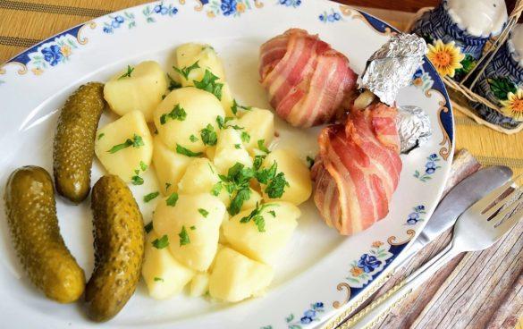 Pulpe de pui învelite în bacon