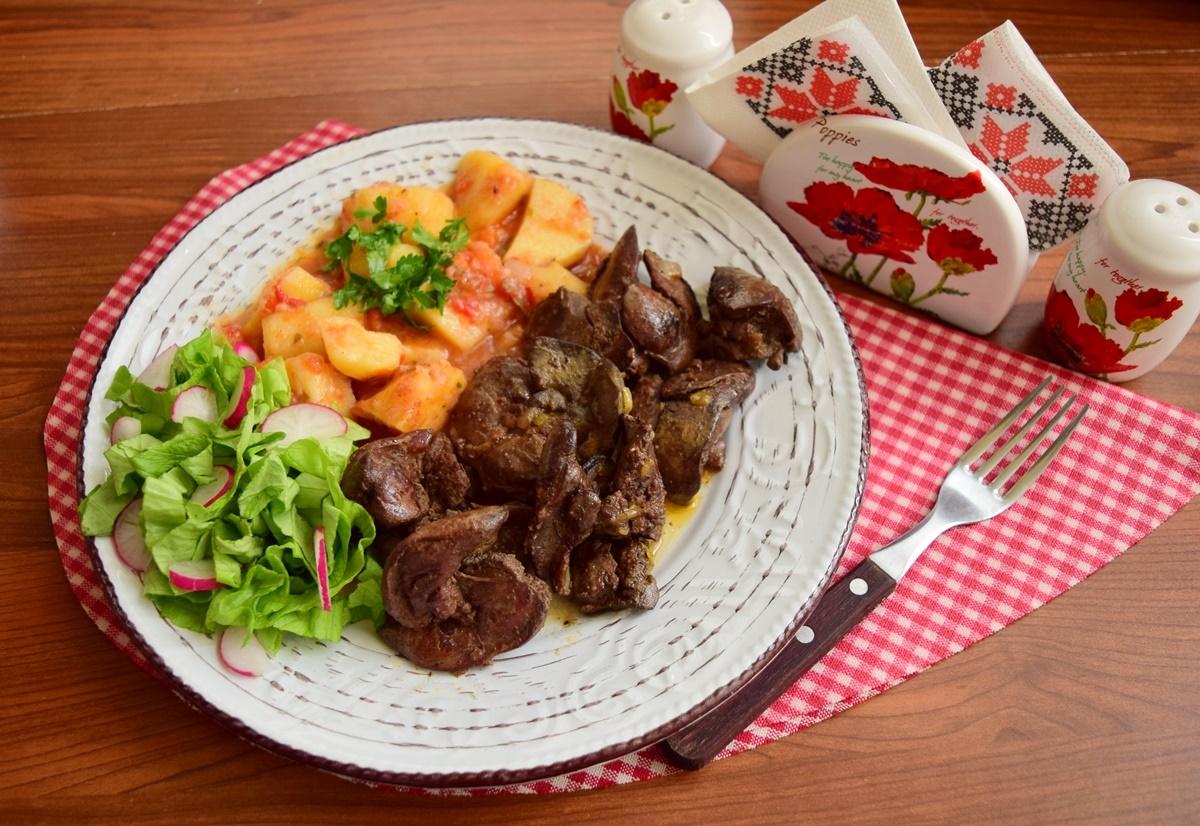 Ficăței de pui cu ceapă și usturoi