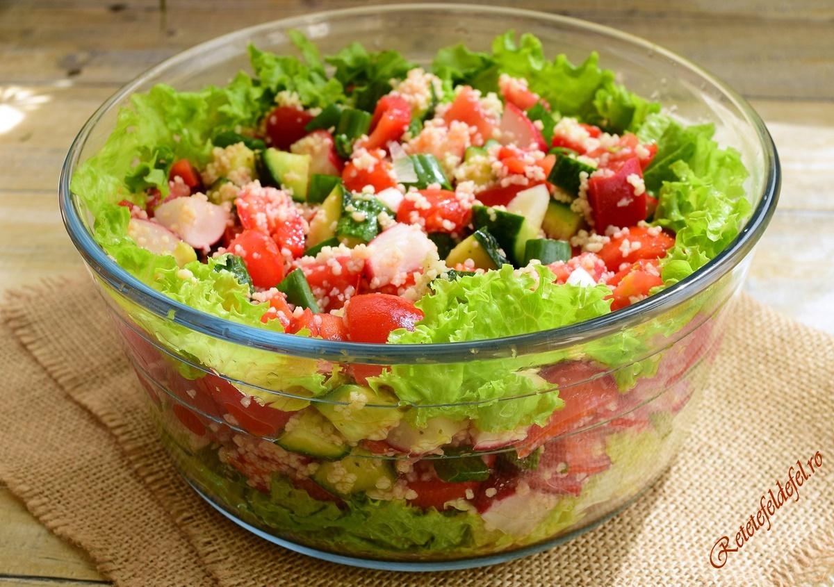 Salată verde cu legume şi cuscus