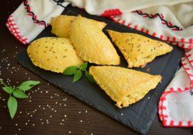 Colțunași umpluți cu brânză și dovlecel