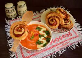 Supă cremă de roșii cu dovlecel