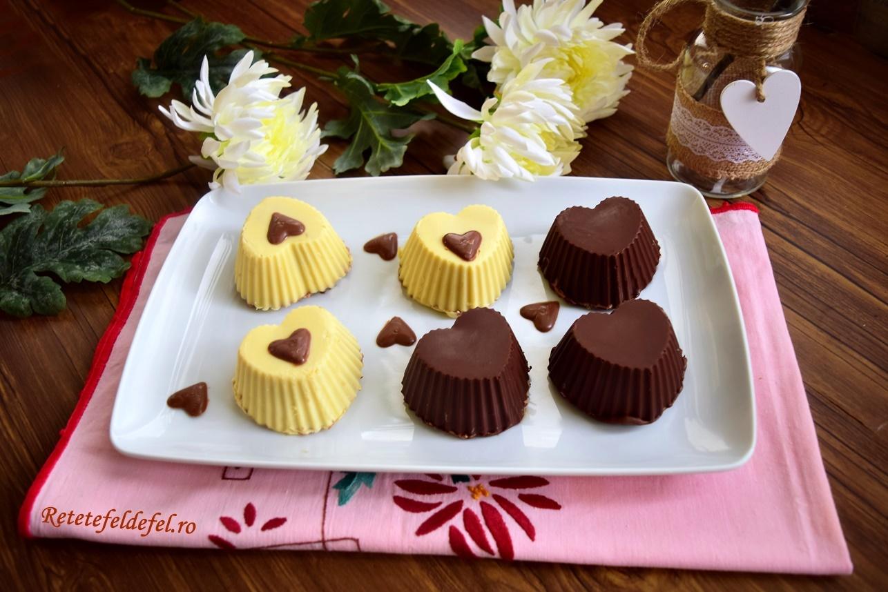 Mascote cu ciocolată în două culori