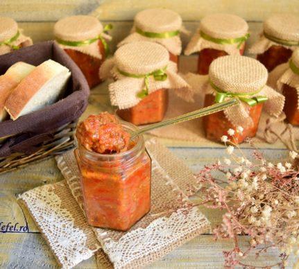 Zacuscă de vinete cu ciuperci champignon
