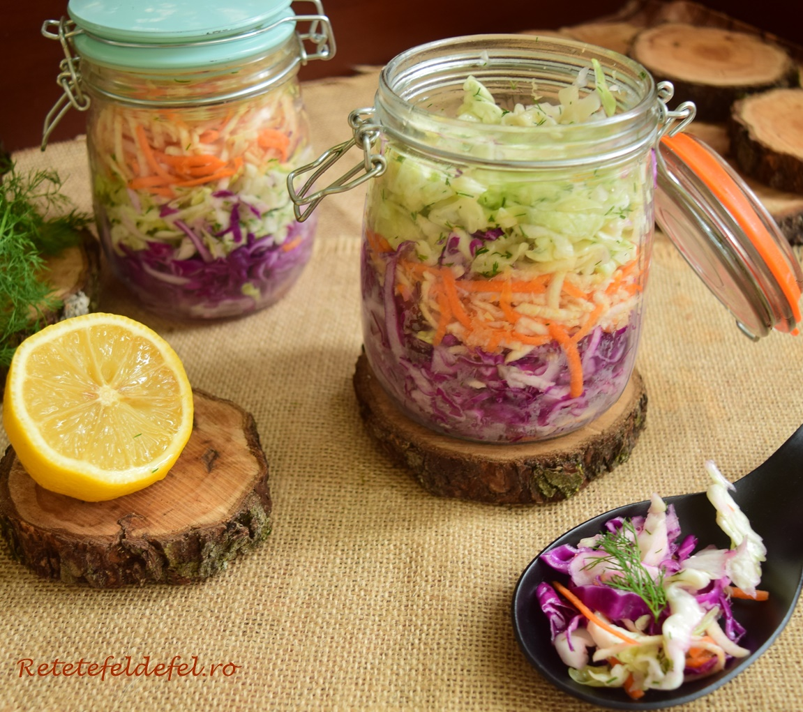 Salată de varză în straturi cu țelină și morcov