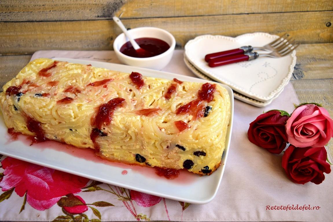 Macaroane cu brânză și merișoare cu dulceață de trandafiri
