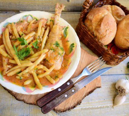 Mâncare de pui cu fasole păstăi