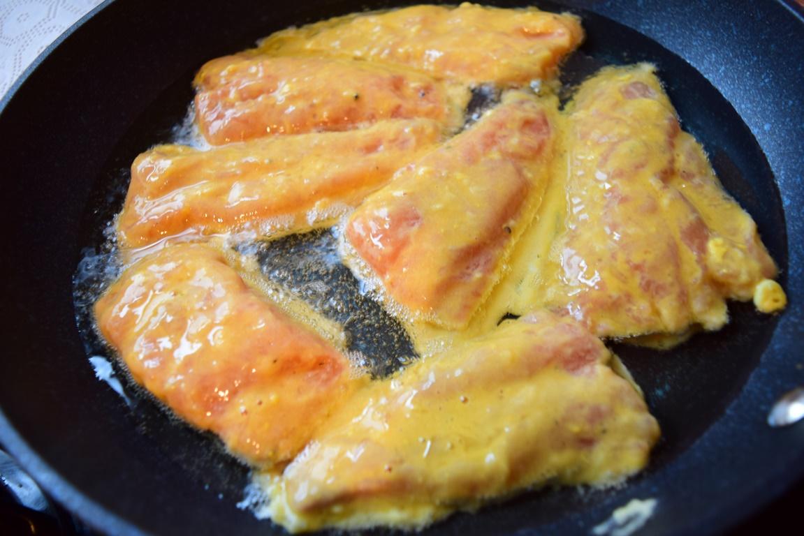 Prăjire în ulei Somon pane în crustă de muștar
