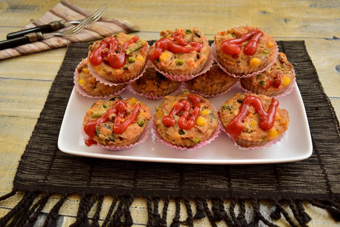 Brioșe cu ton și legume mexicane