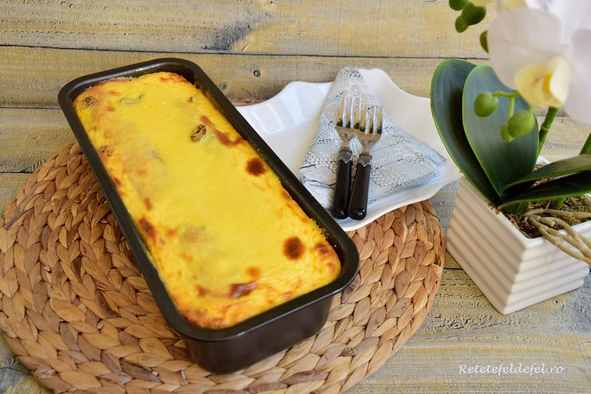 Budincă de clătite cu brânză dulce și stafide