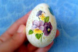 Ou decorat cu tehnica șervețelului