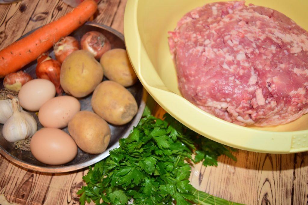Ingrediente pentru chiftele la cuptor