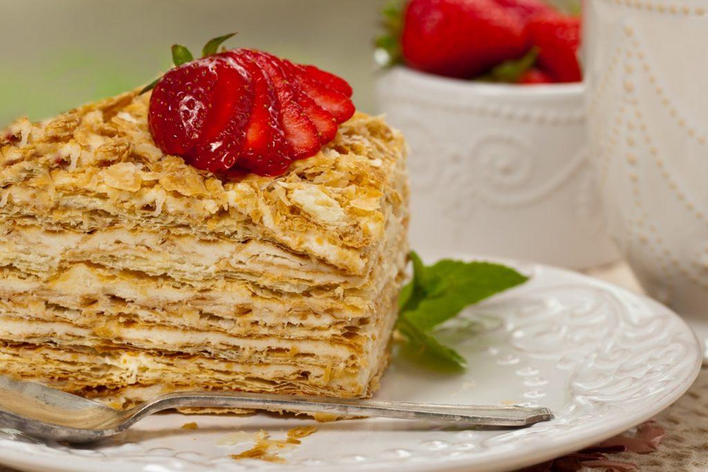 Porție de tort Napoleon