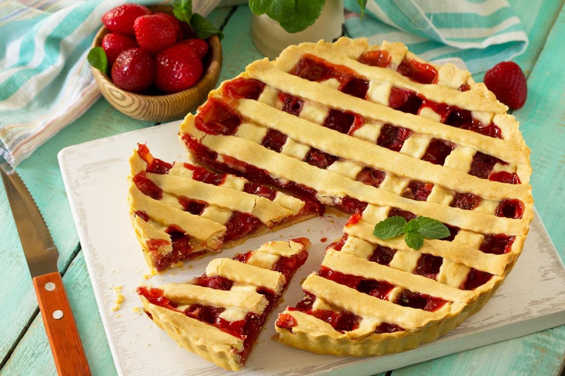 Tartă cu căpșuni și mentă.