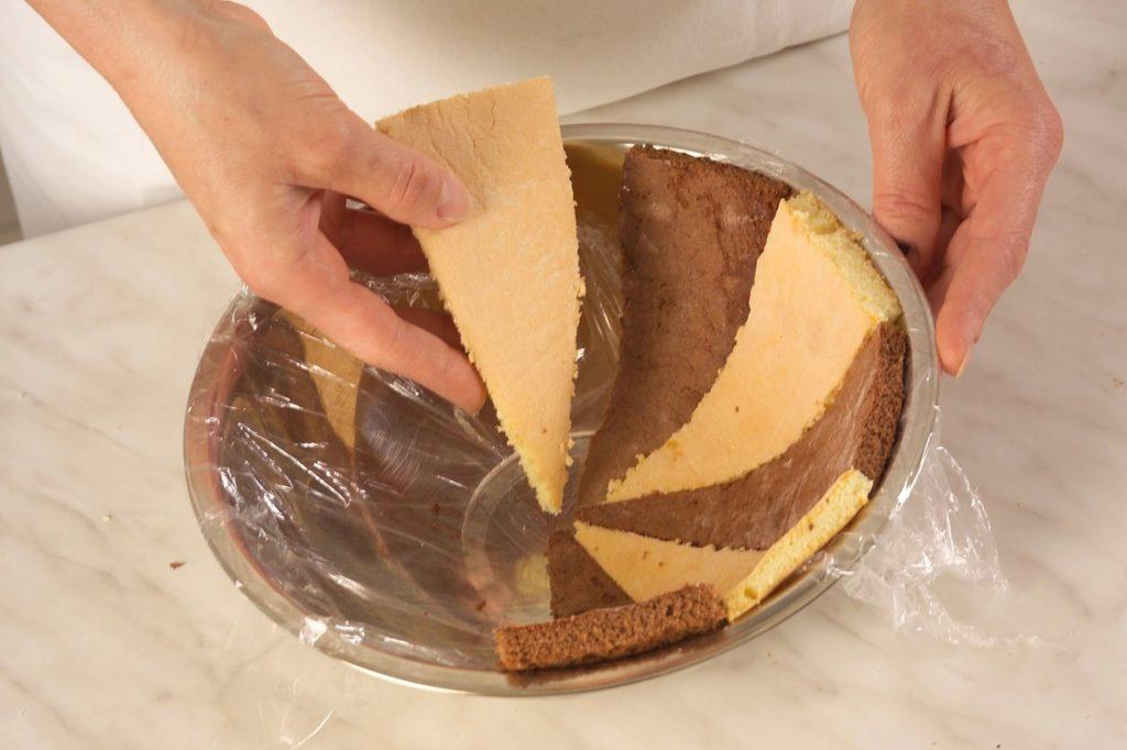 Asamblare blaturi pentru Tort Cupolă cu mousse de zmeură
