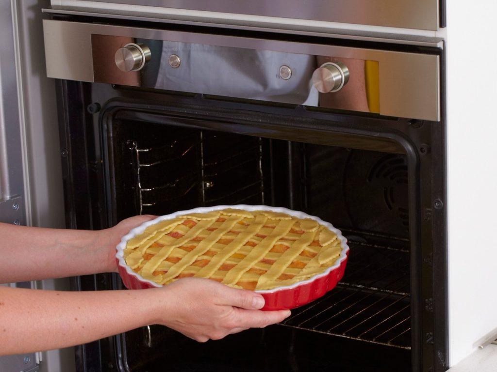 Introducere Tartă cu caise proaspete și gem de caise la cuptor pentru coacere