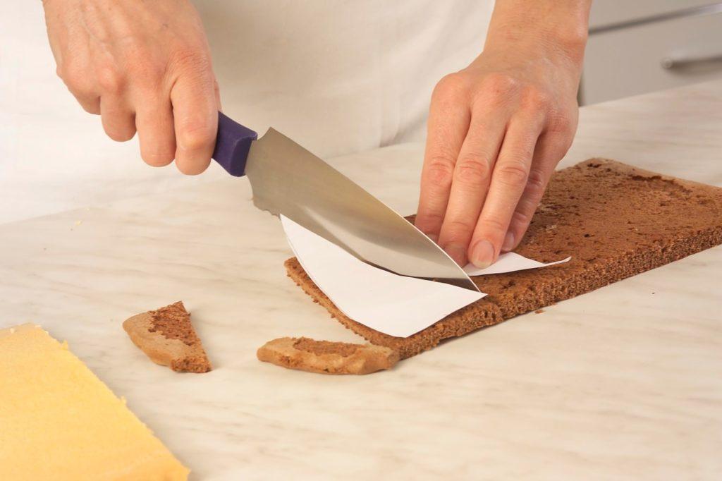 Decupare blaturi pentru Tort Cupolă cu mousse de zmeură
