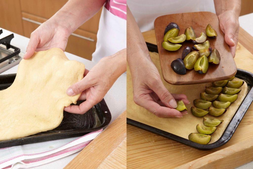 Pașii de pregătire prăjitură cu prune și crumble